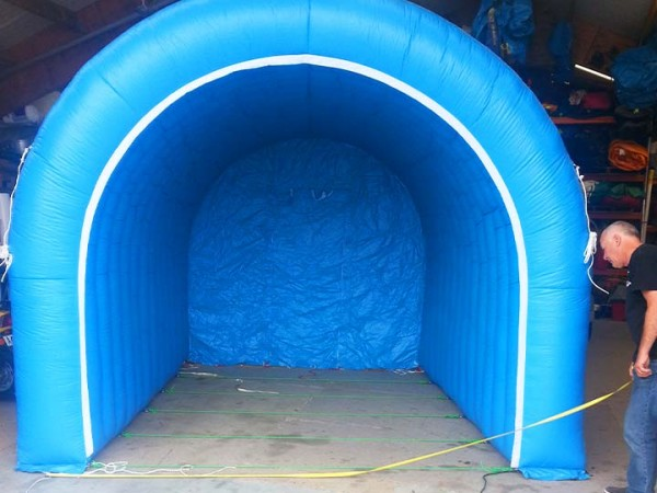 img-portfolio-tents-blue-tunnel